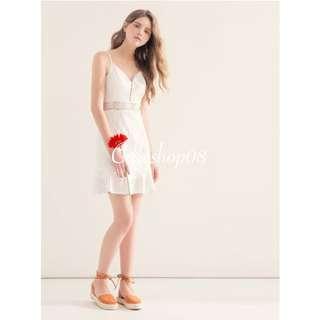 🇹🇼 純白蕾絲腰間簍空荷葉洋裝