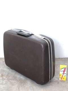 Rental /  sale vintage antique Samsonite hardcase