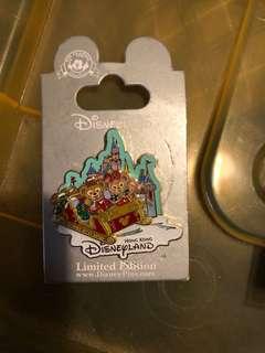 迪士尼2015聖誕襟章 LE500 小白/duffy