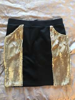 Skirt with gold sequins