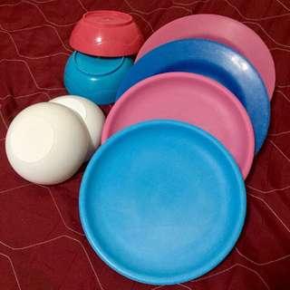 Plastic set (plates&bowls)