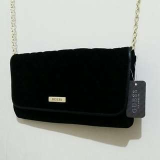 Guess - Black velvet Clutch