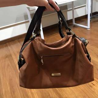Authentic Steve Madden Ladies Purse Brown / Camel Color NO FILTER