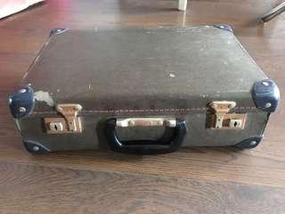 Vintage old school bag / briefcase