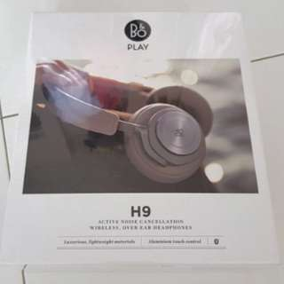 Bang and Olufsen (B&O) H9