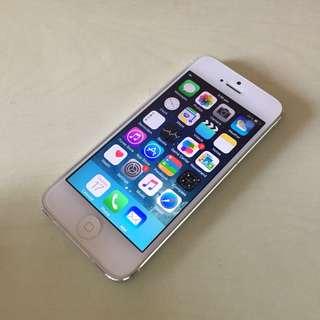 Iphone 5 *cheap*