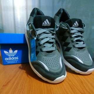 Sepatu Sneakers premium baru adidas cloudfoam rare