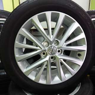 17 inch Toyota Rims with Dunlop SP Sports 215/55R17 tyres
