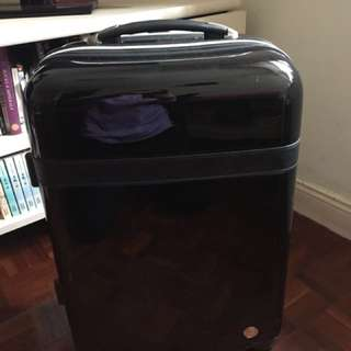 "Luggage hand carry 20"" 4 wheels"