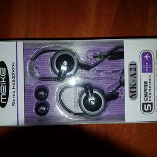 Assorted wired earpiece