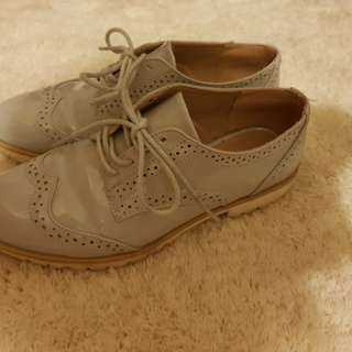 Grey formal shoes. Woman's 6