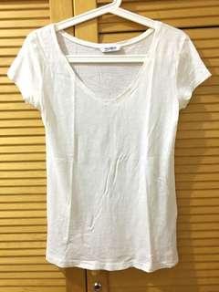 Pull & Bear V-neck T-Shirt