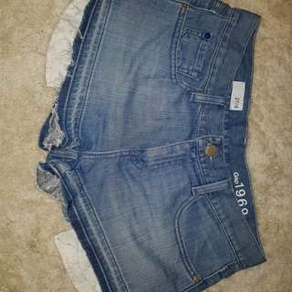 Denim shorts. Size 27 (9)