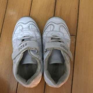 返學白波鞋