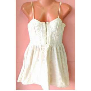 Sleeveless White Dress (Code03)