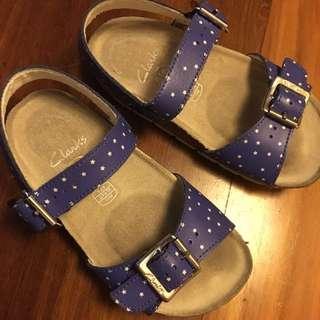 Clerk sandal size 27