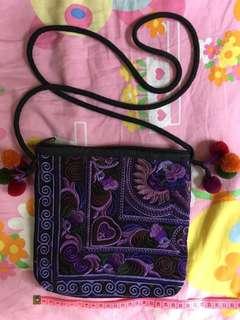 💜泰國🇹🇭紫色💜民族斜咩袋 斜背包 (20x20cm,繩112cm)