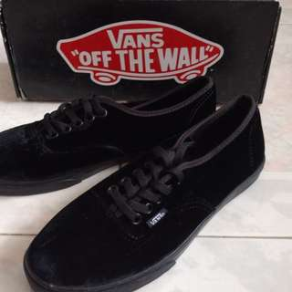 Black Vans Sneakers (Authentic Lo Pro) (Velvet)