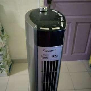 Toyomi standing fan