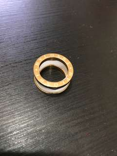 Blvagari White Ceramic gold ring