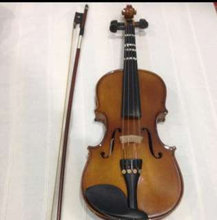 Well taken cared of syneim violin size 1/4
