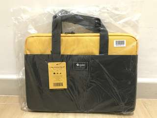 "Agora 2-Way Notebook Bag 13"" 兩用手提電腦袋"