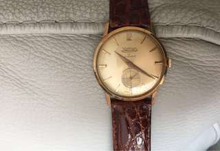 Waltham 18K gold watch 33mm