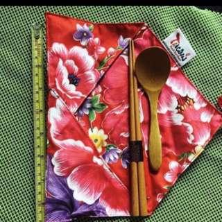 新2包天然竹木筷子匙,布袋 ,日本 2 packs new bamboo chopsticks.spoon Japan
