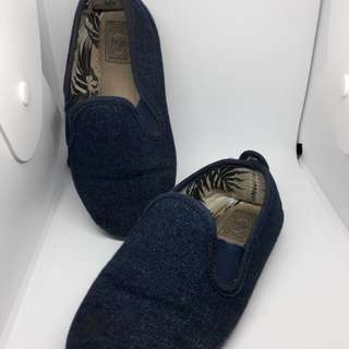 Flossy shoes