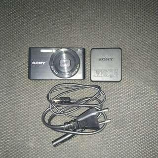 Sony W830 DSC-W830/B 20.1MP Compact Camera with 8x Optical Zoom (Black