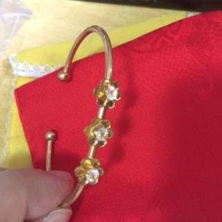 Vintage gold colour arm bracelets