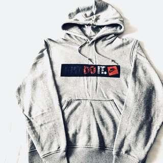 Nike 灰色帽T