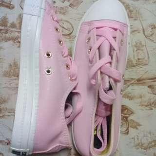 Women's pink converse shoes