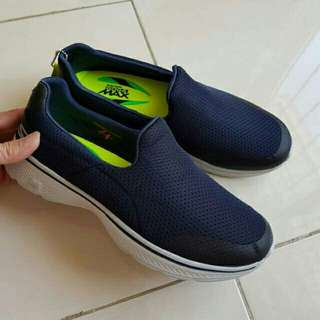 Jual rugi!!  Skechers go walk 4 incridible