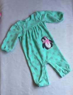 BNEW! Frogsuit for baby girl 6 mos
