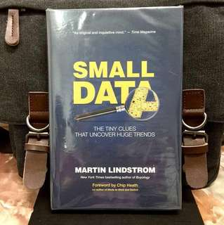 # Highly Recommended《Bran-New + 2016 Hardcover Edition + The Power of Small Data Trends》Martin Lindstrom - SMALL DATA : The Tiny Clues That Uncover Huge Trends