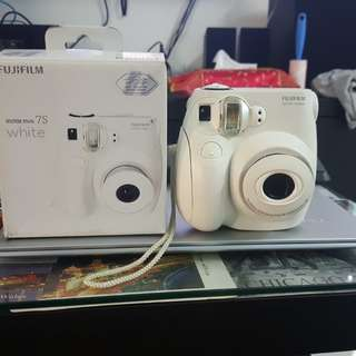 Fujifilm Instax Mini 7s with close up lens