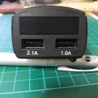 Digital display battery voltage monitor