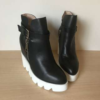 *NEW* Wedge platform leather ankle boots size 37