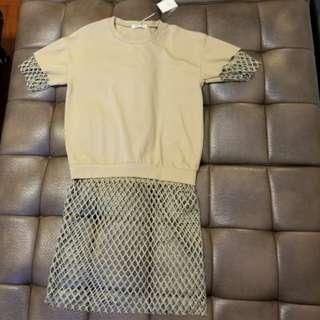 女裝啡色長版衫 下身網狀