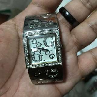 Guess Ladies Watch used. Authentic. Watch itself. 100% working need to replace battery. Used.