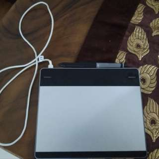 Wacom intuos pen small tablet