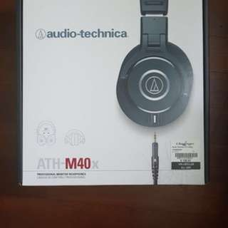 BNIB - Audio-Technica ATH - M40X