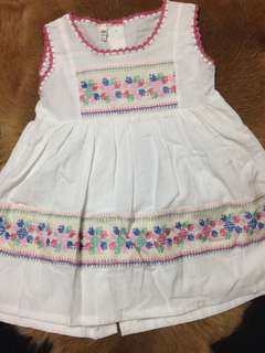 Girls dress sleeveless