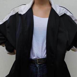 (XL) Sport xlnce black and white jumper