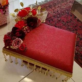 Gubahan hantaran/wedding tray for gifts