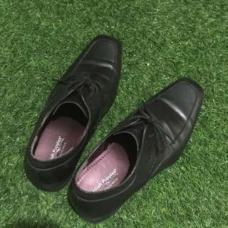 Hush Puppies Leather Shoe for work