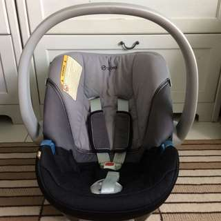 PRICE REDUCED!! Cybex Baby Carrier/ Baby Carseat