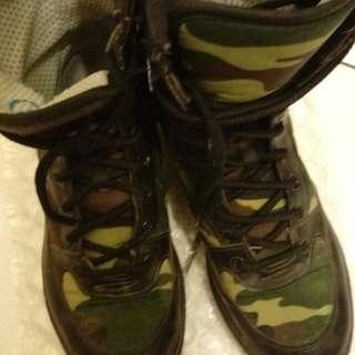 🚚 國軍 軍靴