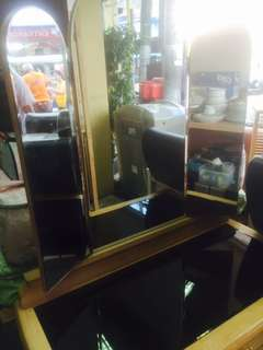 hairdress cabinet